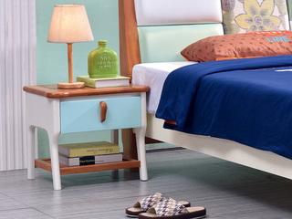 32号白柚床头柜