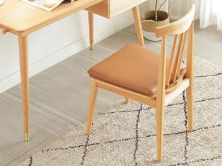 北欧风格 榉木主材坚固框架 原木色 软垫餐椅