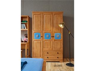 现代简约 泰国进口橡胶木 63-09三门衣柜